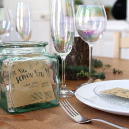 Décorer sa table de mariage avec des sachets de graines personnalisés