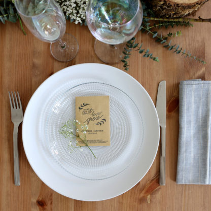 Décorer sa table de mariage avec un sachet de graines personnalisé